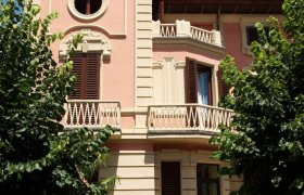 Petit Chateau Bed and Breakfast - Montecatini Terme-1