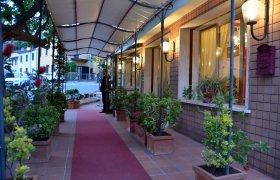 Nuovo Hotel Casa Rossa - Montecatini Terme-1