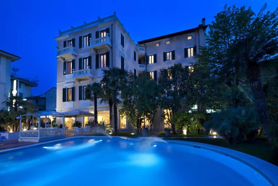 Hotel Con Piscina Parma