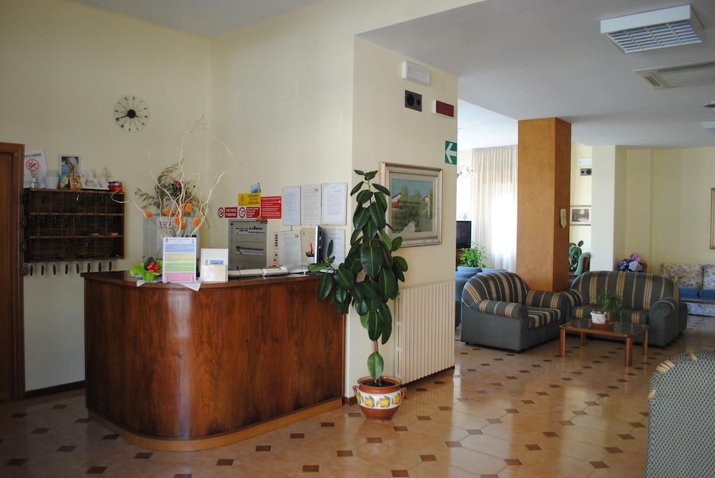 Hotel Villa Edelweiss - Hall